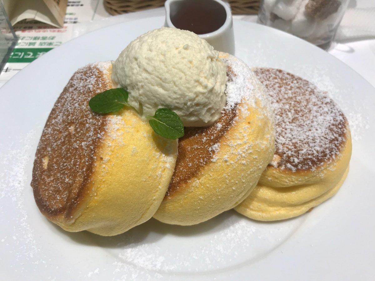 test ツイッターメディア - パンケーキ食べて幸せになるんだ俺。 (@ 幸せのパンケーキ - @magiatokyo in 渋谷区, 東京都) https://t.co/8gQNRTQaaq https://t.co/0MV550eiPl