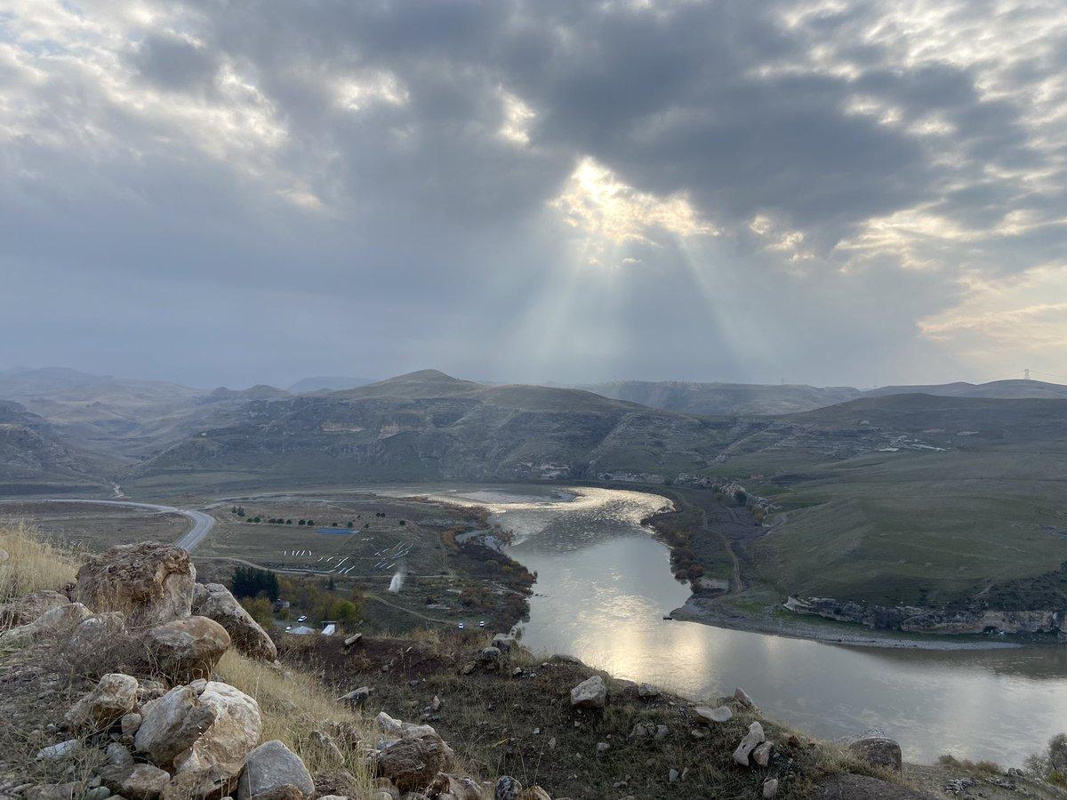 test Twitter Media - De Tigris, dames en heren. Waanzinnig mooi gebied hier in het Zuid-Oosten van Turkije. https://t.co/UXmL2G2acU