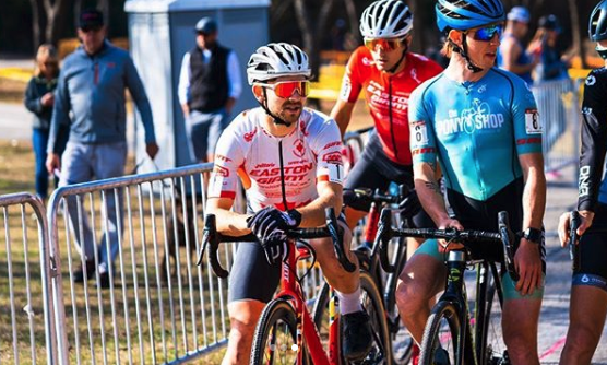 test Twitter Media - Weekend sweeps for both 🇨🇦 champions @maghroch and @MVDHcyclocross at the Resolution Cross Cup in 🇺🇸 Garland, Texas!  -------- Deux victoires consécutives pour les champions 🇨🇦 @maghroch et @MVDHcyclocross cette fin de semaine à la Resolution Cross Cup à 🇺🇸 Garland, Texas! https://t.co/SkZH4wtdtj