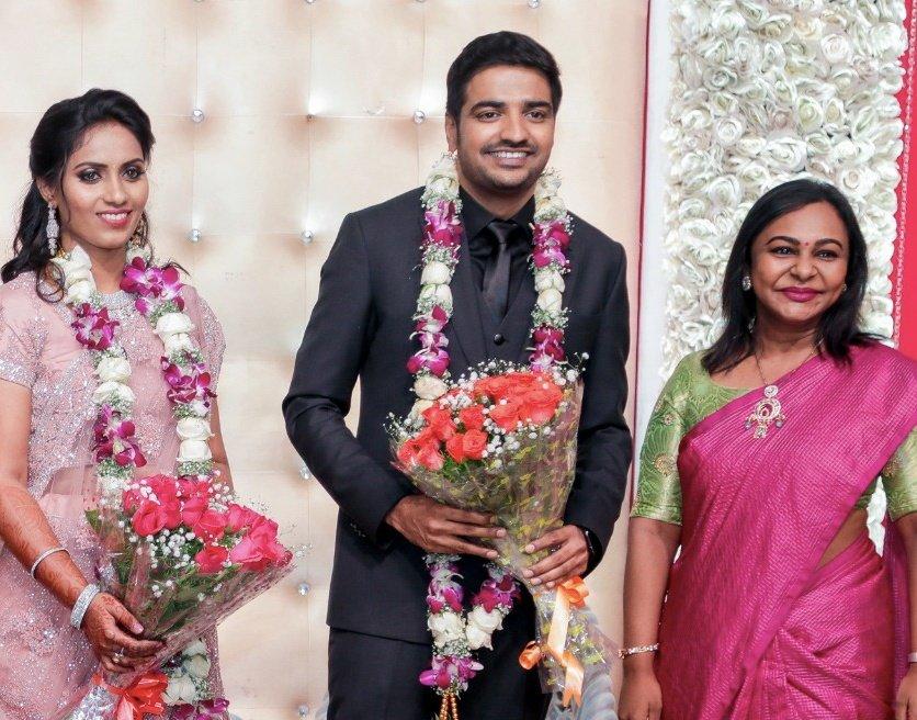 #SathishWedsSindhu Wedding Reception  @ThenandalFilms  @Hemarukmani1 @actorsathish