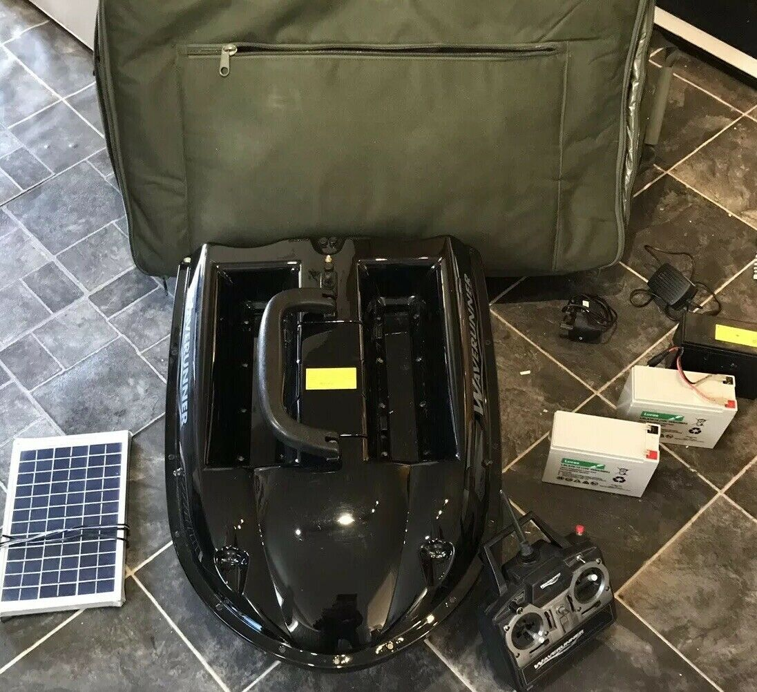 Ad - Waverunner MK4 Bait Boat  On eBay here -->> https://t.co/zSwU9zsU2q  #carpfishing #bait<b