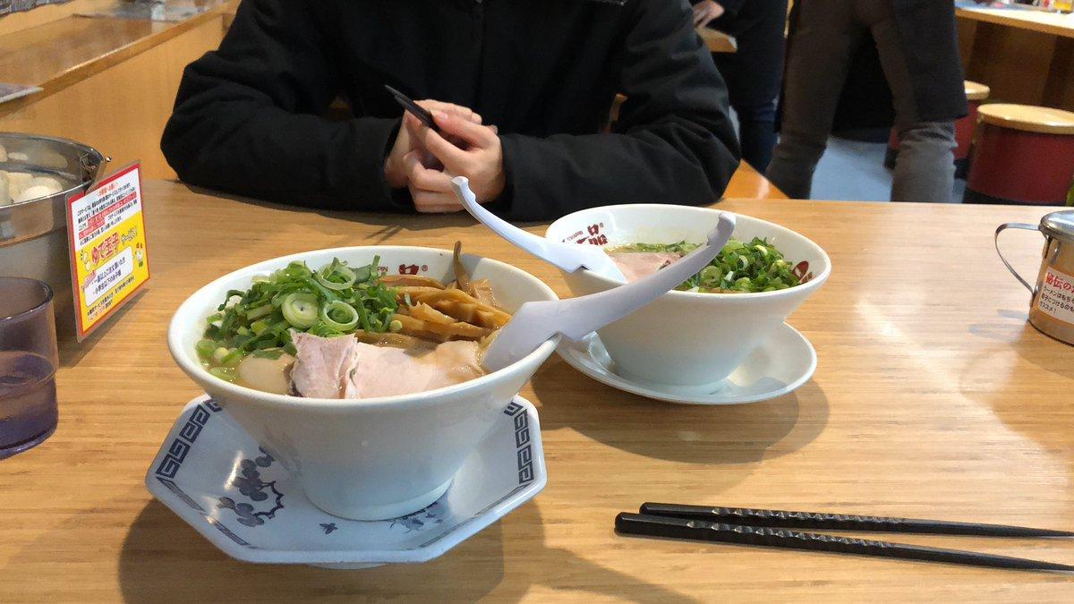test ツイッターメディア - #Takusuiさんのお食事珍道中  本日は、天下一品で左の「ネギ,メンマ,味玉乗せラーメン」をいただきます!!  右のは、相方のうっちーのねww 2つも胃には入りませんよww https://t.co/ahFBE9aLYs