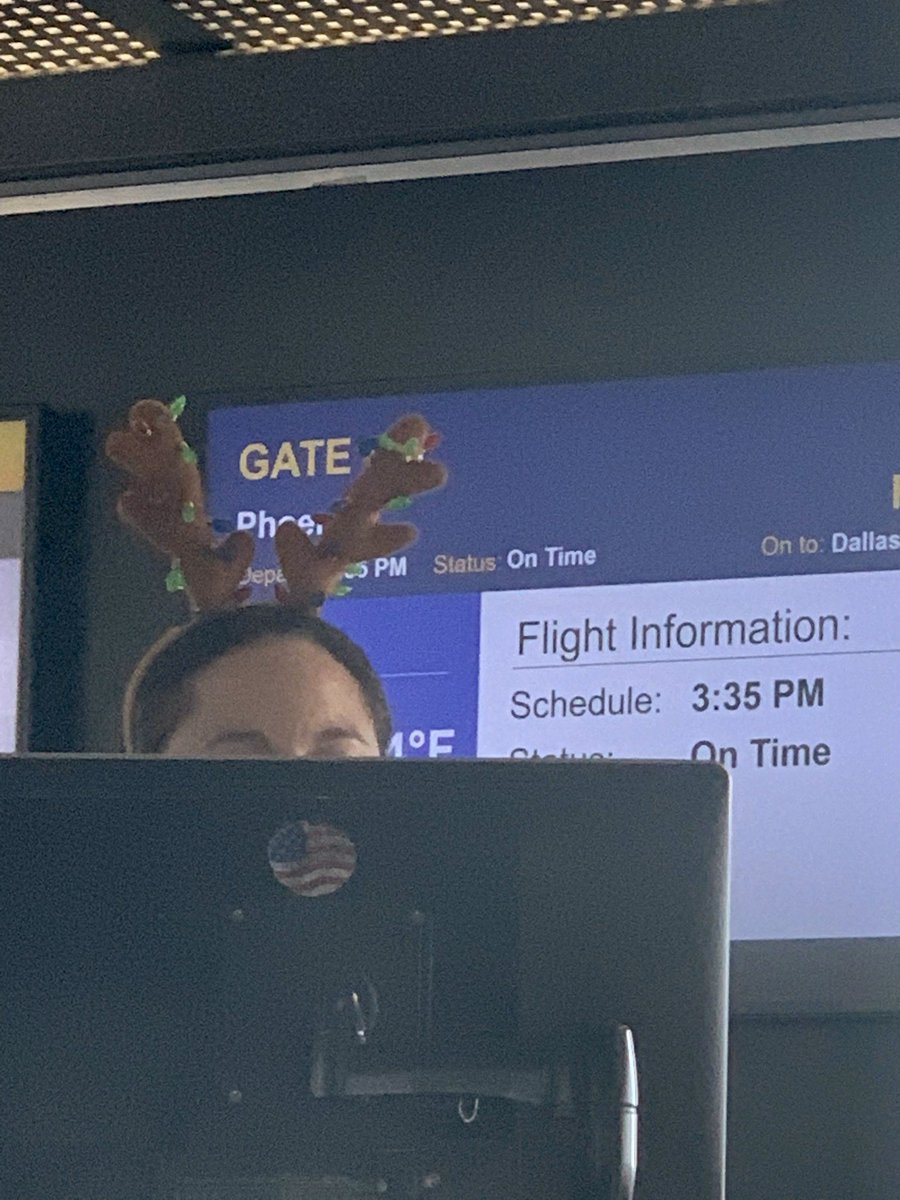 test Twitter Media - @SouthwestAir If I have to travel all day, might as well be thru BWI & with your engaged service focused crews! #BWI #IFlySWA #TisTheSeason Michelle is #working & #HavingFun ❤️ https://t.co/5LkP7J9VU4