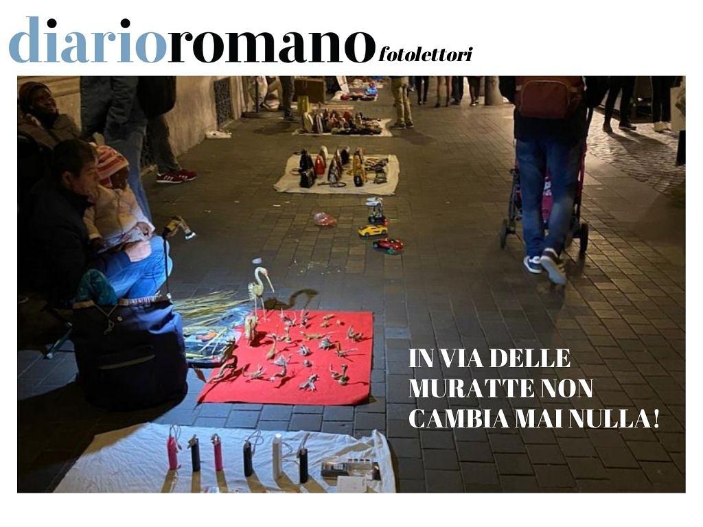 test Twitter Media - Impossibile passeggiare in via delle Muratte senza calpestare la merce dei venditori abusivi. È sempre così in questa strada. Federico. . Inviate anche voi le vostre foto! #buonaserata #11dicembre #Roma #blog #photo #città #cittadini #photolettori #photocity #photography https://t.co/oXLl82OGhg