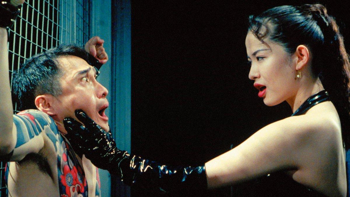 """test ツイッターメディア - 『愛の新世界』 昼間は小劇団の看板女優、夜はSMクラブの冷徹な女王様。お客には指1本触れさせず、小劇団の団員には漏れなく体さえ開く。されど誇り高い、それはいずれも彼女流の""""愛""""。美しい肢体の惜し気ない披露よりむしろ作品と役の解釈・具現化を天才的にやってのけた鈴木砂羽の力量にひれ伏す。 https://t.co/OZvnU7g1b2"""