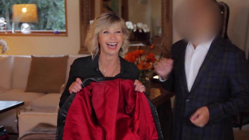 test Twitter Media - A man bought Olivia Newton-John's 'Grease' jacket for $243,200 and gave it back to her https://t.co/TGf2aiobKq https://t.co/N6AdQLd3zR