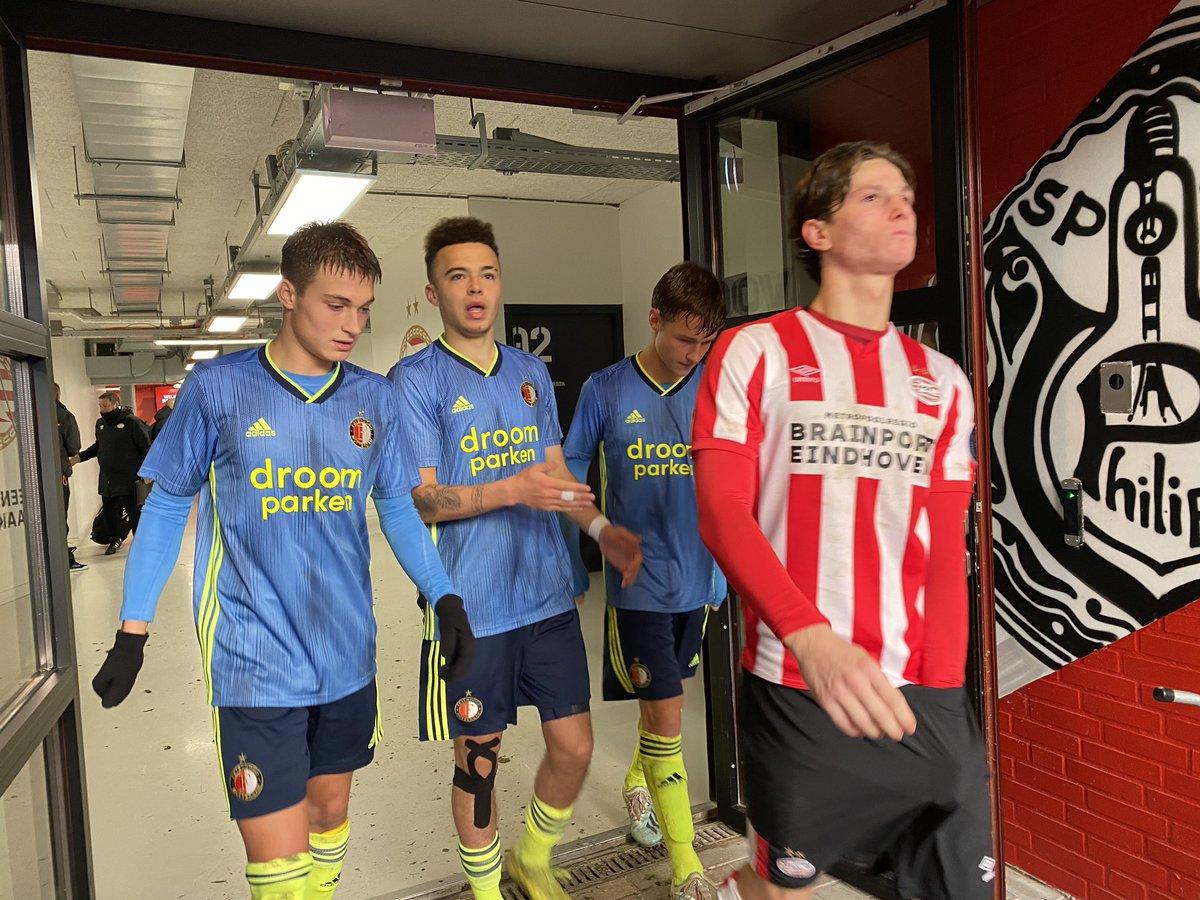 test Twitter Media - Kom op boys, nog één helft te gaan!  LIVE ➡️ https://t.co/RZDQ0Q7Nbz  #FeyenoordO19 #psvfey (1-0) https://t.co/adnIR7s6HR