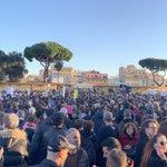 Le #Sardine riempiono piazza San Giovanni a #Roma. La #Fiom c'è! https://t.co/l1IDzaEvQE