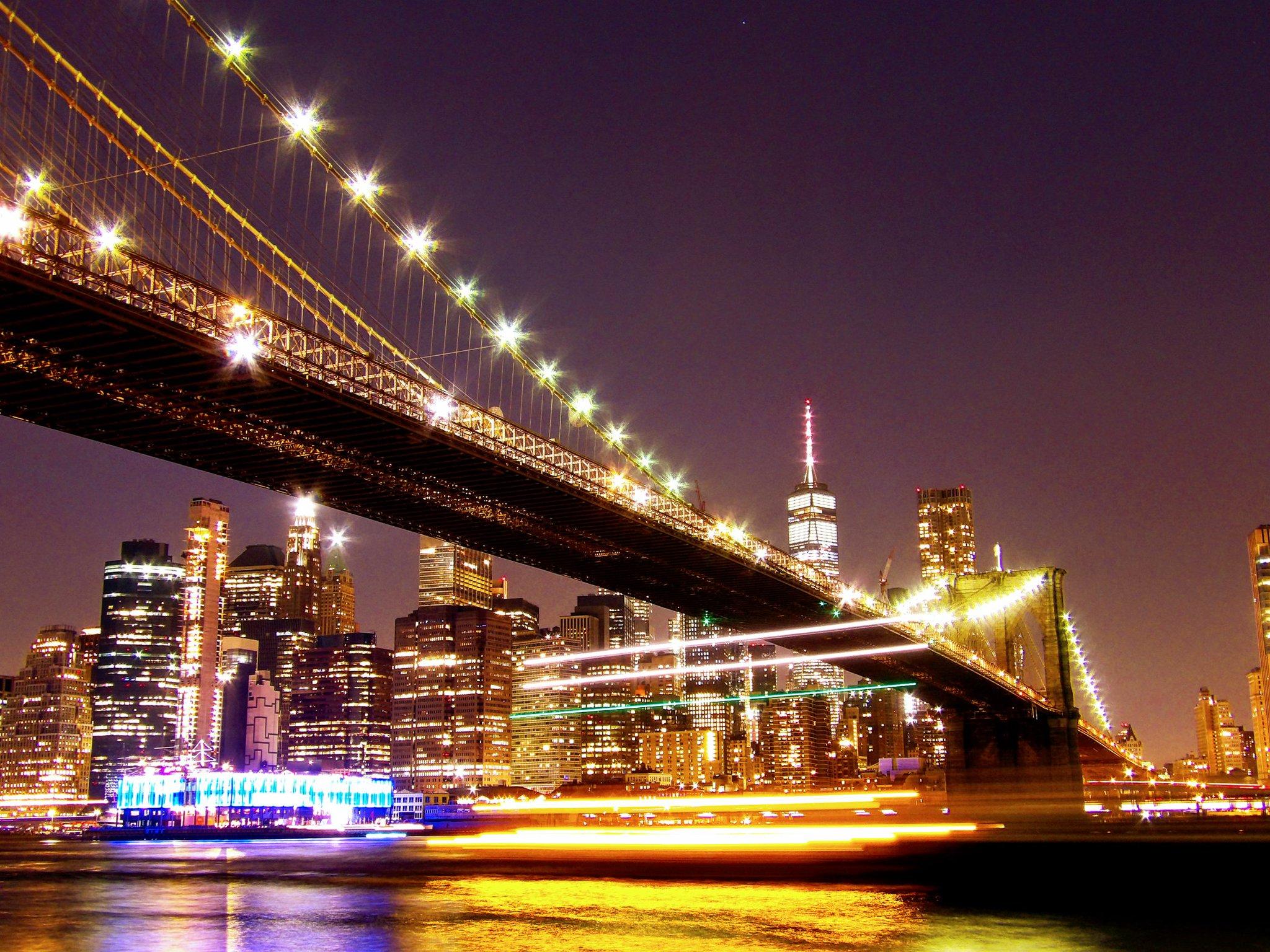 In a New York minute...#NYC #Longexposure 📷 #BrooklynBridge @nycfeelings @agreatbigcity #ThePhotoHour #stormhour @StormHourMark https://t.co/wOwhSJYGH4