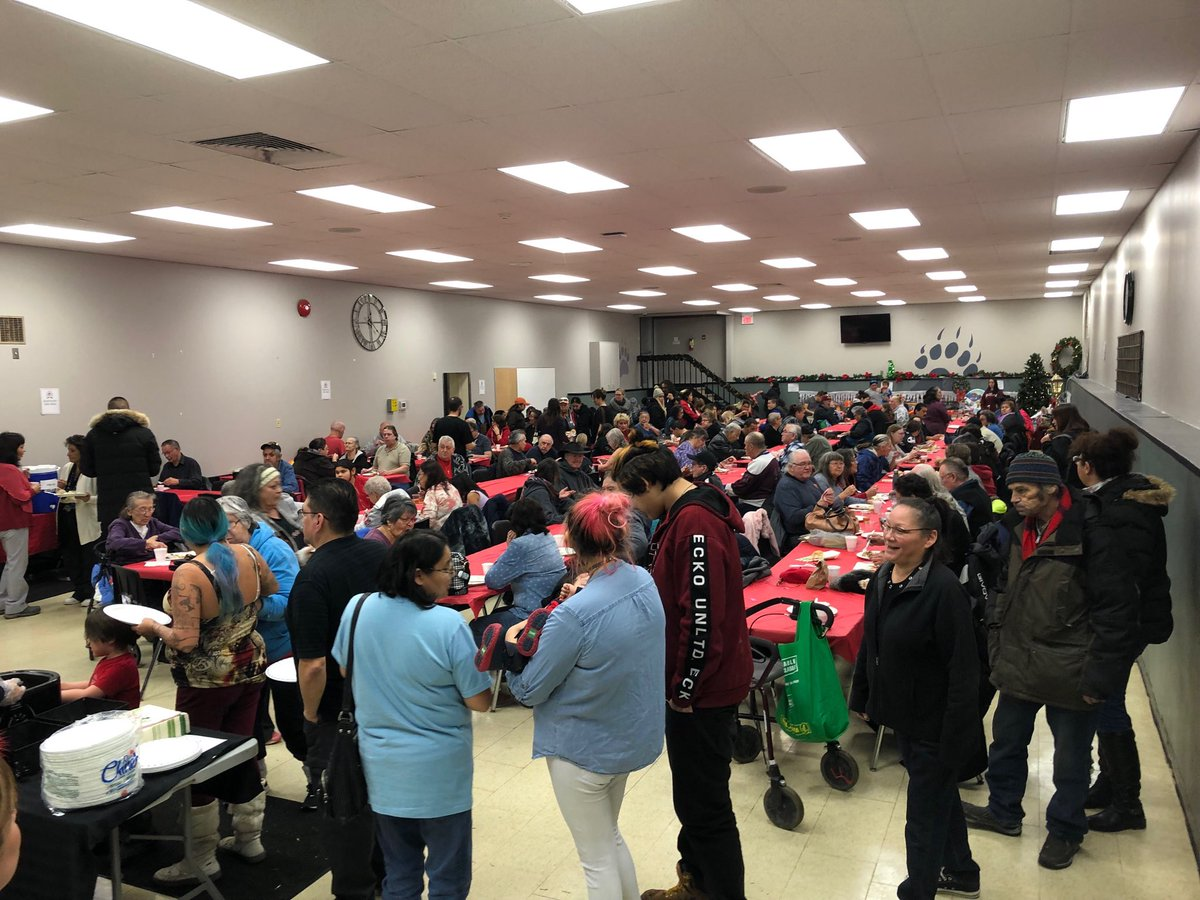 test Twitter Media - Full house at Selkirk Friendship Centres Christmas dinner.  The volunteers did an amazing job putting together wonderful meal and afternoon! https://t.co/UVpZ52CCKs