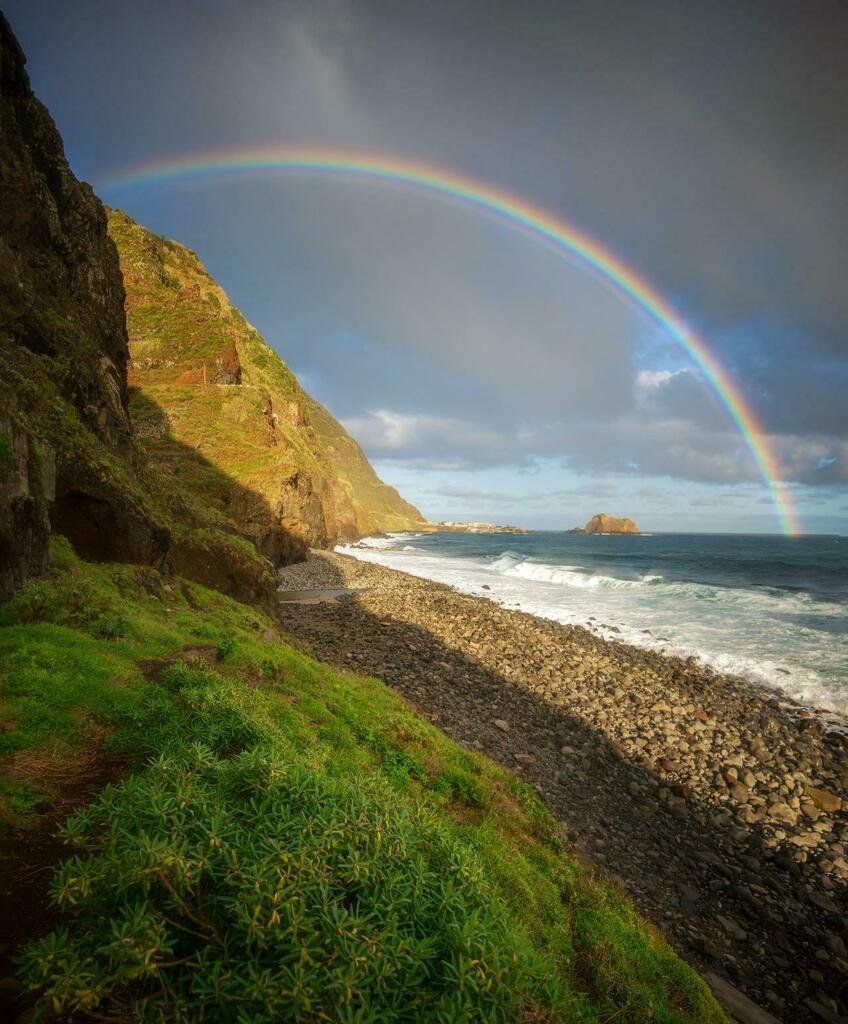 Rainbow over the ocean. Madeira, Portugal. [OC][2048x2473] - tmsvdw https://t.co/bfwCCnRM0n