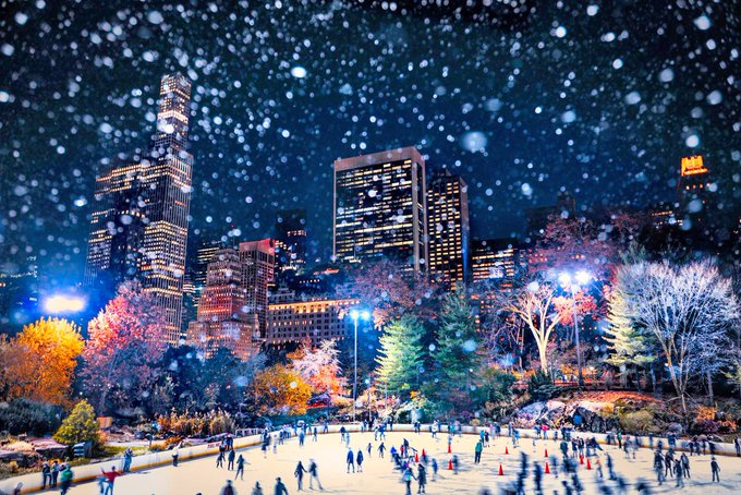 No better place to spend the first week of winter ❄️ @WollmanRink #NewYork