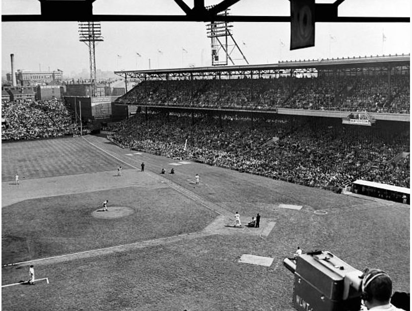1949: Opening Day at Crosley Field. A lot of foul ground! #Reds https://t.co/Q0m9fRovtb