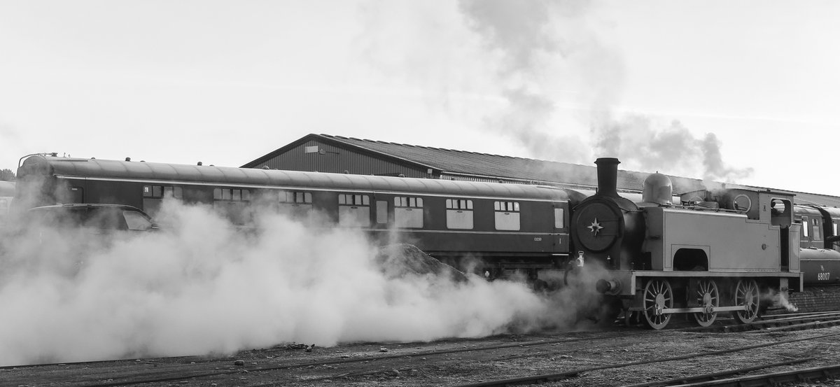test Twitter Media - RT @SirHectorMunro: Steaming at @bonessrailway on Hogmanay - had a great time. Thank you. https://t.co/CZBeLHzPf1