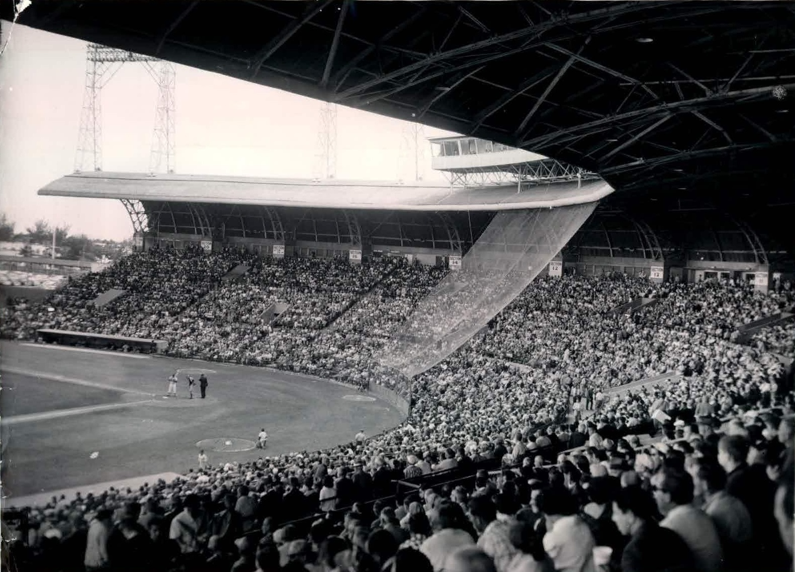 Miami Stadium, Miami, FL, ca 1953 - This 13,500-seat ballpark with unique cantilever-style roof was built in 1948 and while it never gained national attention as Orange Bowl (just a couple miles southwest) did, in South Florida it became the symbol of baseball. Demolished in 2001 https://t.co/rqeOw8ERio