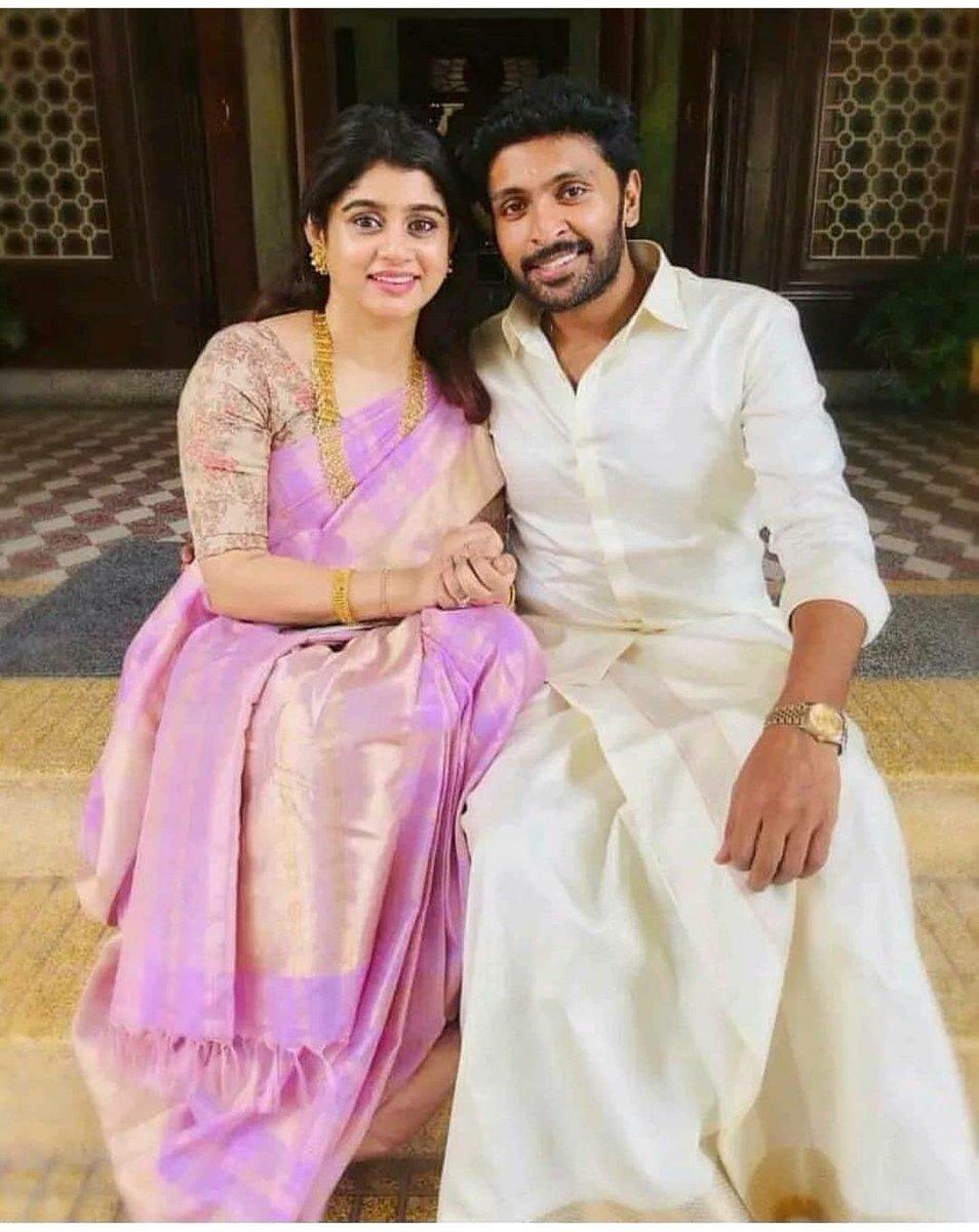. #VikramPrabhu with his wife