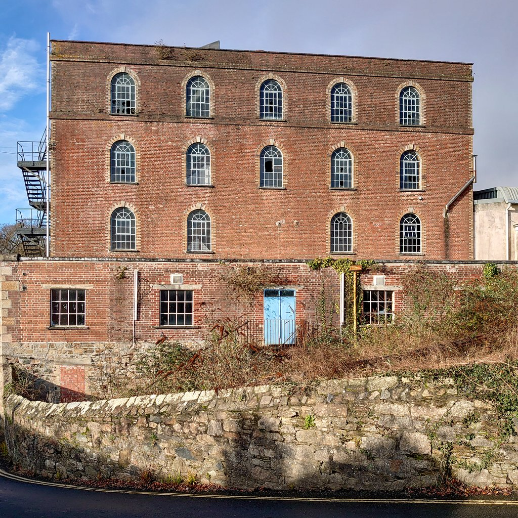 test Twitter Media - Stowford Paper Mill, originally built in 1787 as a Corn Mill. Closed in 2013, the Grade 2 listed building used to print banknote paper for the @bankofengland. Soon to become swanky homes and commercial space after a major redevelopment. #Ivybridge #Architecture @StowfordMill https://t.co/qRaDRn8RSx
