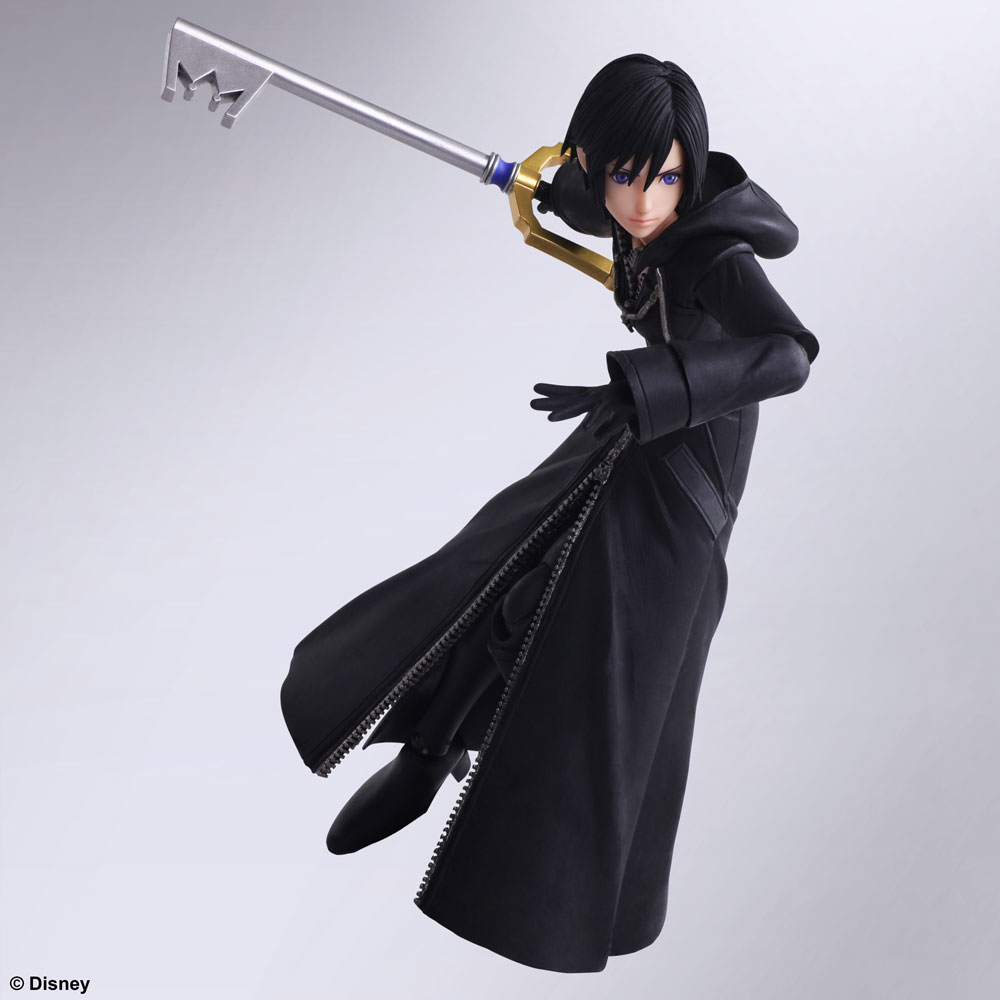 From @KINGDOMHEARTS III, Xion joins the BRING ARTS figure line! Her coat has been created with a flexible material that will allow free range of motion for any collector's best action poses.  Pre-order on the @SquareEnix store by 1/17 for 10% off!