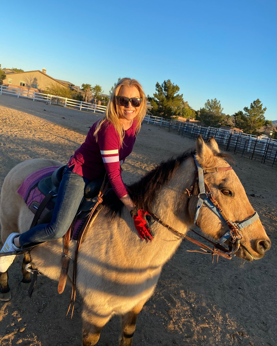 2020 and back on the saddle again! 😊  #2020vision #2020 #newyear #newyears #horse #horses #FlyAgainRanch #ranchlife #horsebackriding #horselove