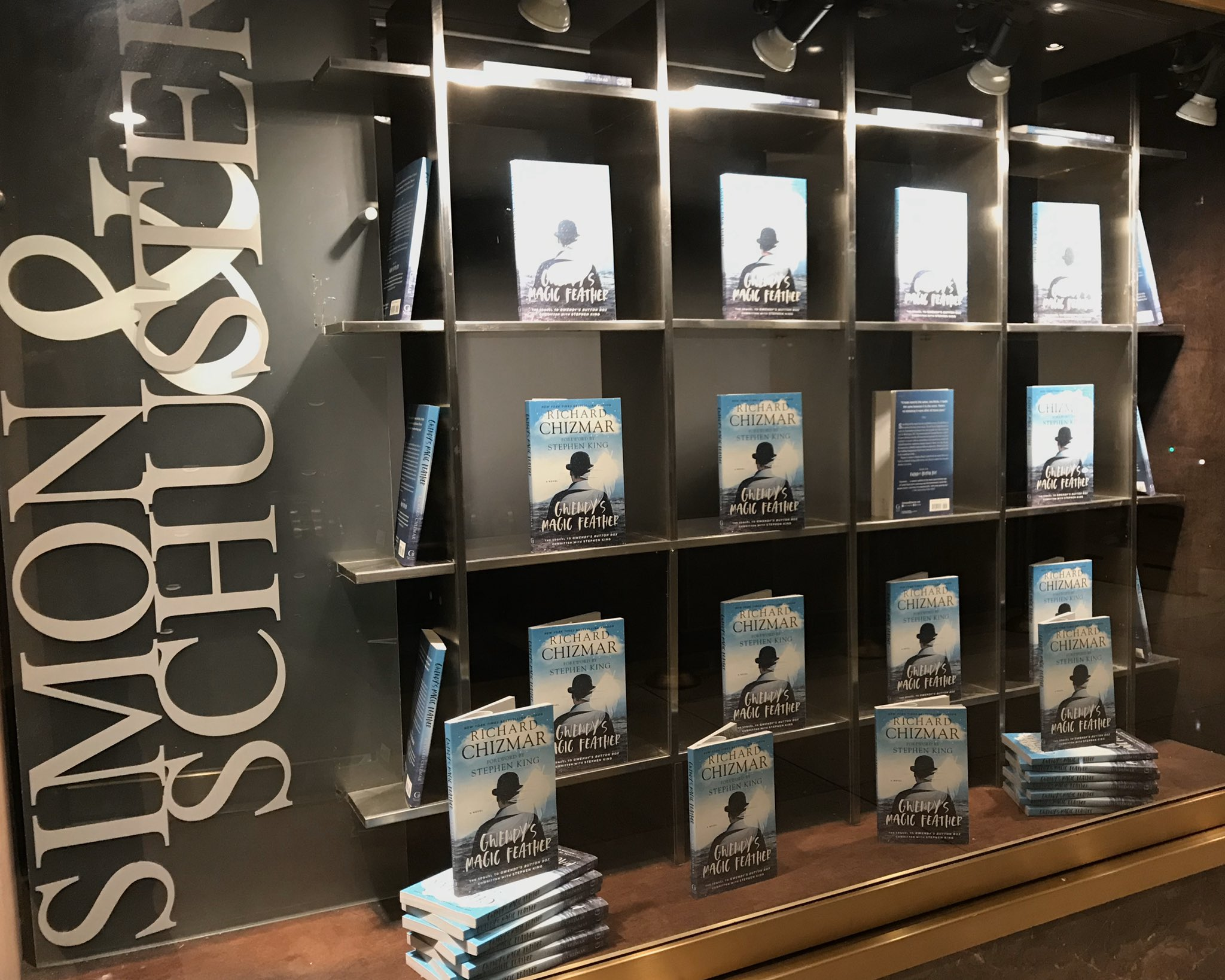 Simon & Schuster lobby today. https://t.co/6zqBknyXAc