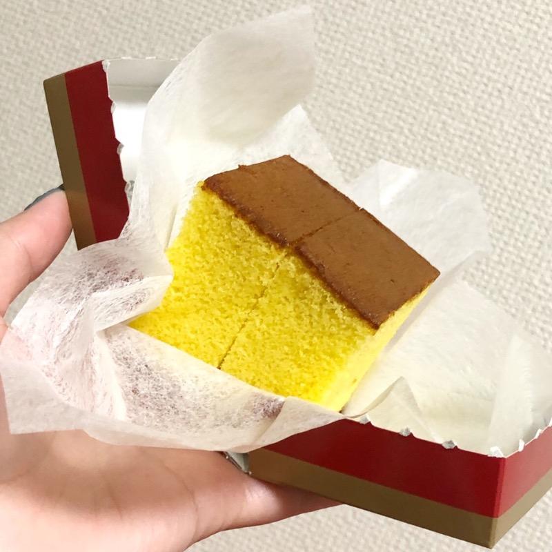 test ツイッターメディア - お土産もろた。 前にももらったことあるけど福砂屋のオシャレパッケージのカステラさん、ぱかっと開いて食べきりサイズで好き。 https://t.co/ycsdC1iVlB