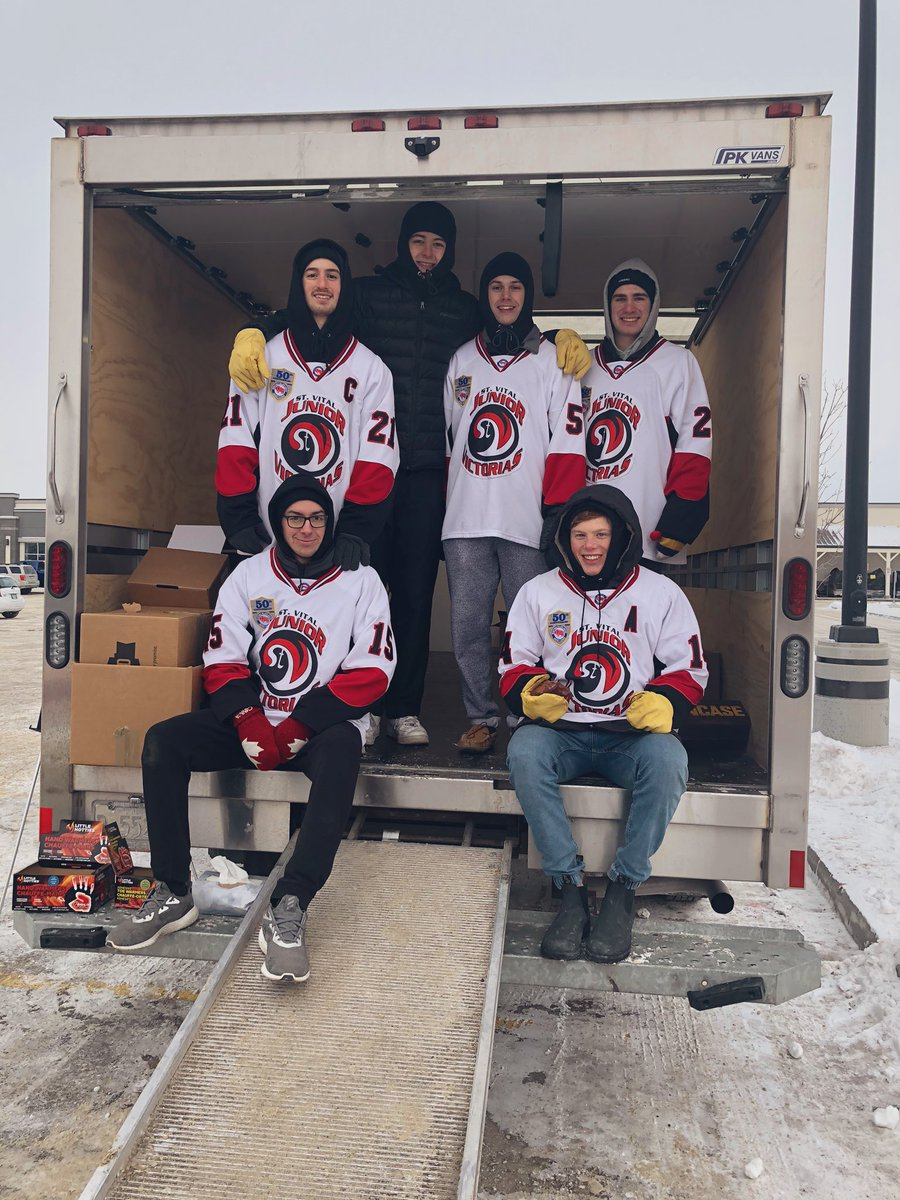 test Twitter Media - Thank you to SW PeeWee A2 Gold hockey team & @stvitaljrvics for showing true community heart with today's fundraiser! I popped by to thank them & donate to the cause.  You can drop off bottles & money until 4 pm today in the Peavy Mart Parking lot! #mbpoli https://t.co/4apI0dShql