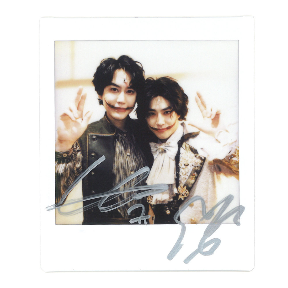 [📸 #KYUHYUN & #SUHO ] Greetings from KYUHYUN & SUHO playing '#Gwynplaine', the hero of a tragic fate, in the musical '#TheManWhoLaughs'!🤡 Meet us at the Seoul Arts Center Opera House~🎭  #규윈플렌 #규현 #SUPERJUNIOR #슈퍼주니어 #면윈플렌 #수호 #엑소 #EXO #그윈플렌 #웃는남자