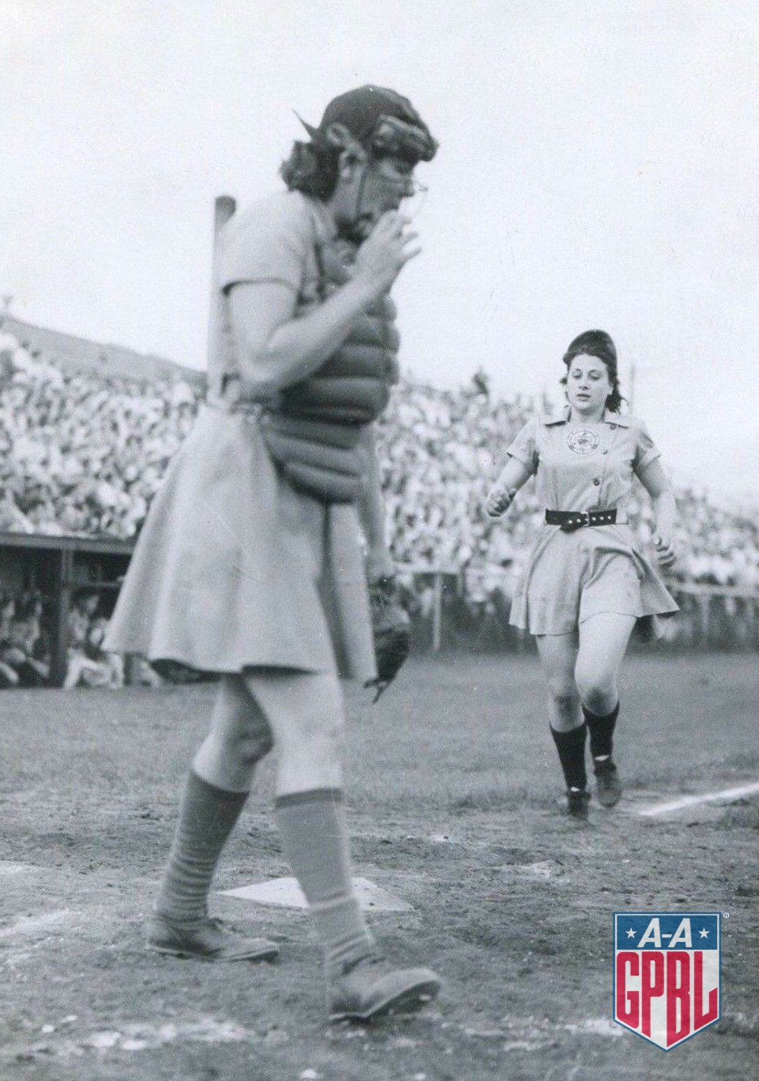 Philomena Gianfrancisco Zale scoring during a 1946 game at South Field in Grand Rapids. The Chicks finished 2nd overall in the regular season with a 71-41 record, but lost to the Peaches in the first round of the playoffs. Grand Rapids would win the League champs the next season. https://t.co/BjAYbHbMCf