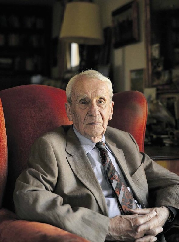 Christopher Tolkien, third son of J.R.R. Tolkien and editor of much of his posthumous work, including The Silmarillion, has died at age 95. Thank you for bringing your father's vision to life through your work. Rest in peace.