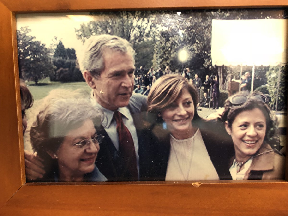 Blast from the past.  When I took my mom and my sister to the ⁦@WhiteHouse⁩ & met w pres Bush 43. #TBT ⁦@MorningsMaria⁩ ⁦@FoxBusiness⁩