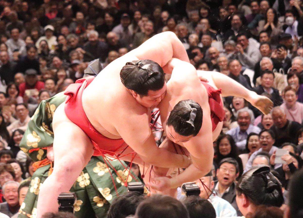 test ツイッターメディア - <六日目の様子>幕内取組 豊山 (5勝1敗) 押し出し   輝(5勝1敗)。 松鳳山(3勝3敗) 上手出し投げ 明生(1勝5敗)。 阿武咲(2勝4敗) 寄り倒し   炎鵬(3勝3敗)。  #sumo #相撲 #一月場所 #初場所 #国技館 #2020年 https://t.co/Ddjf2sHnt6