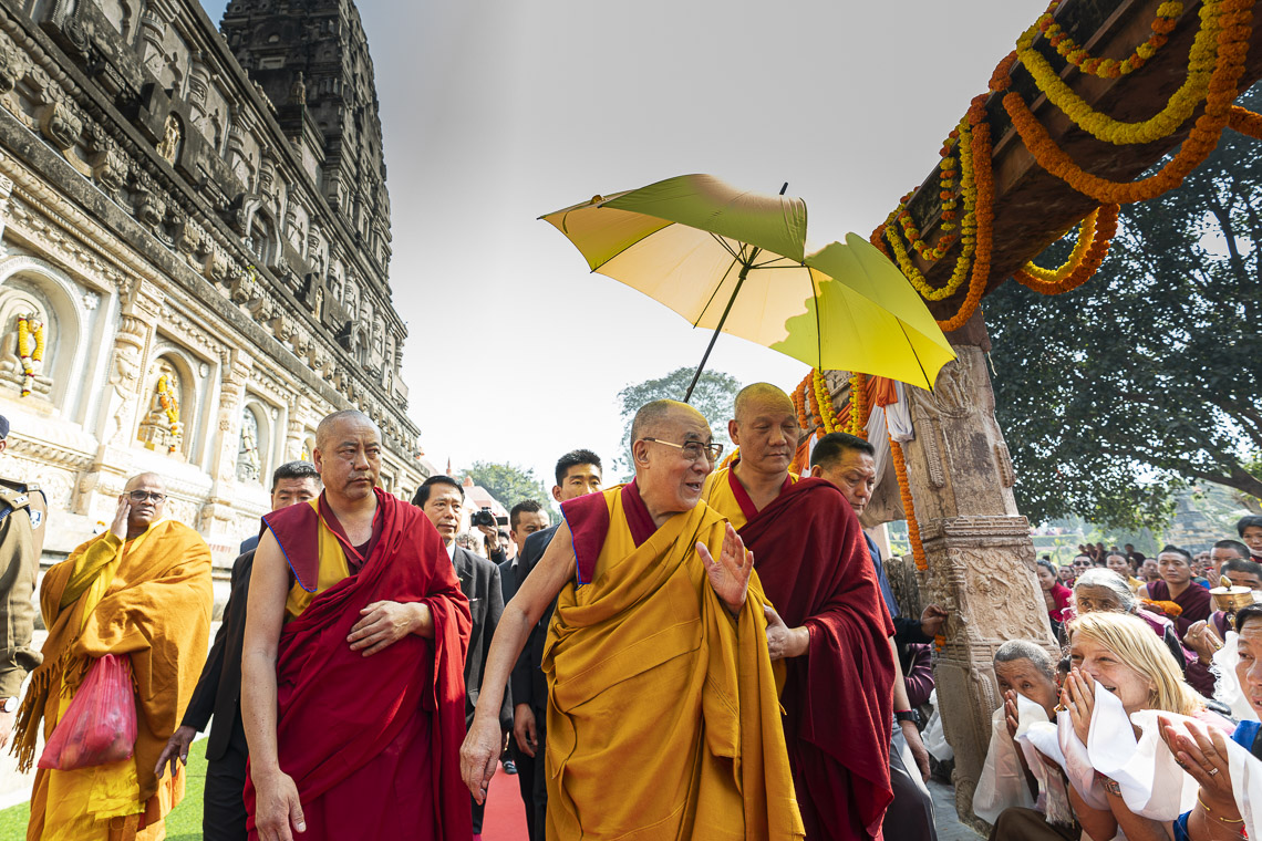 HHDL making his way around the Mahabodhi Temple (site of the Buddha's enlightenment) on the final day of his visit to Bodhgaya, Bihar, India on January 17, 2020. (Photo by Tenizn Choejor)