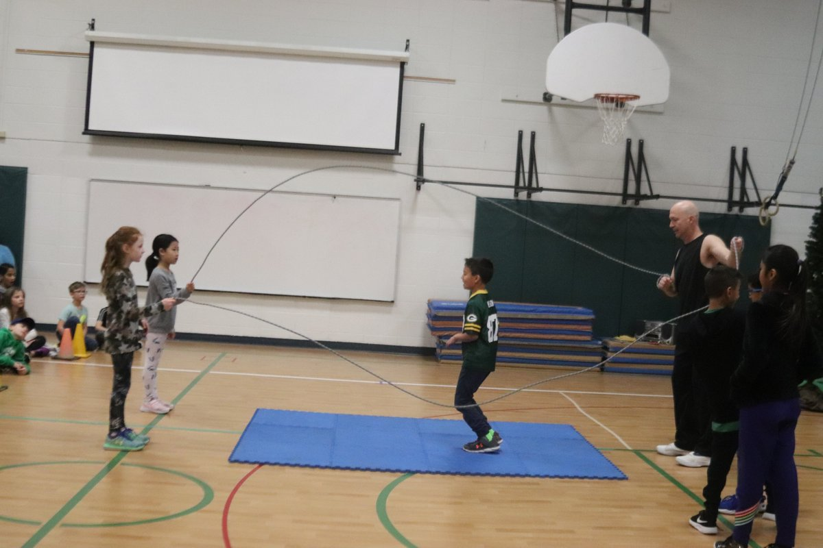 test Twitter Media - The Rock 'N' Rope Warrior @ropewarrior really knew how to lasso the attention of the kids and staff during his presentation this morning! Thanks, WB PTO, for hosting this activity before the three-day weekend! #d30learns https://t.co/jGtnFXo37V