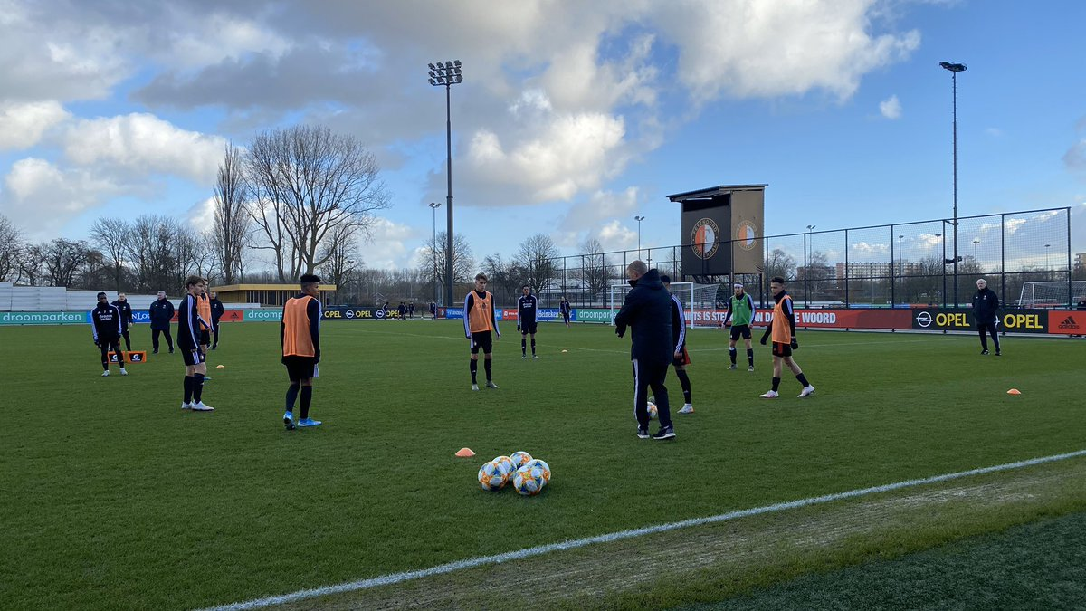 test Twitter Media - 📋 Opstelling #FeyenoordO19:  1. Troost 2. Hall 3. Valk 4. Hendriks (C) 5. Hartman 6. Gündüz  7. Touré  8. Naujoks 9. Bannis 10. De Mooij 11. Omgba  #feytwe https://t.co/LTJQksBg0r