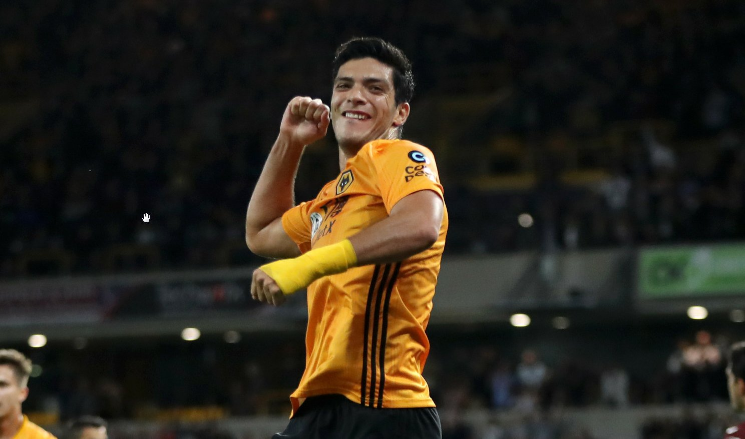 Raúl Jiménez is now Wolves' all-time top goalscorer in the Premier League.  He's only been at the club for 18 months.  Where do you want your statue, Raúl?  #WWFC https://t.co/tM8SuwNCbX