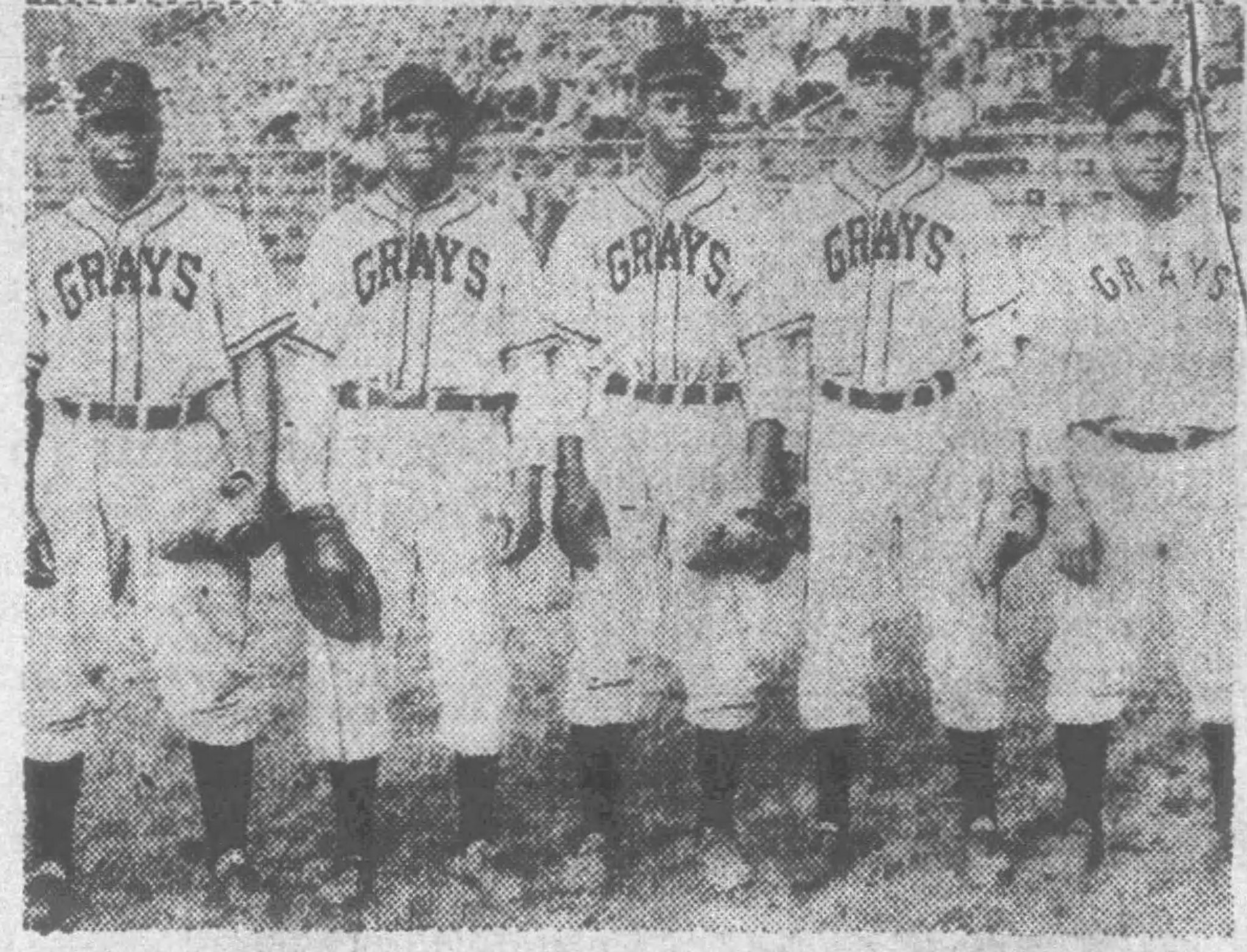 41 year old Buck Leonard 2nd from left, with future @Braves @Cubs @Pirates Luis Marquez, Charles Gary, Clarence Bruce, and Sam Bankhead, 1948 @baseballhall @nlbmprez https://t.co/QZhep3nO6F