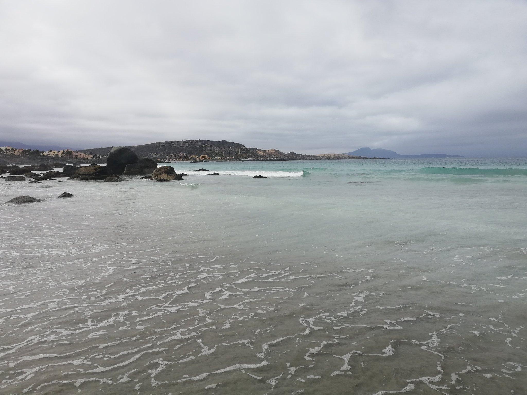 Totoralillo es una de mis playas favoritas de Coquimbo! Muy recomendable si van al norte de Chile (aunque en la tarde se llena mucho, así que es mejor llegar temprano) 🏖️😀👍 https://t.co/PdleTBpCze