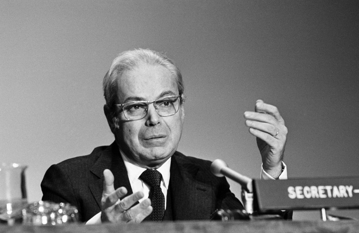 "test Twitter Media - #TakeNote #100Birthday today of former UNSecGen Javier PerezdeCuellar ~ ""Your life has spanned ..the entire history of the UN"" @antonioguterres ~ Retweet to wish SGPerezdeCuellar #Happy100Birthday https://t.co/NA1uO0LFB0"