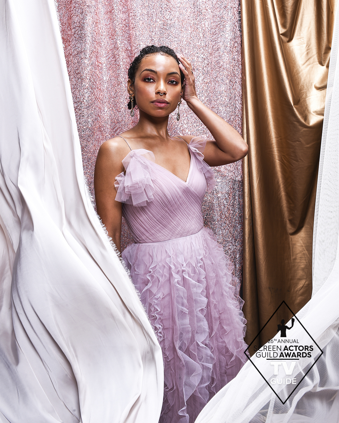 Kicking off our exclusive @SAGawards portraits with #SAGAwards ambassador and absolute vision @loganlaurice 👑 https://t.co/hfT8vrALAW