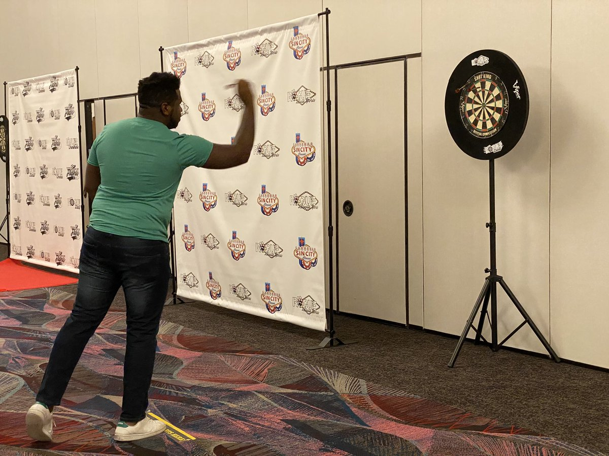 The @roguedarts #SteelTipDarts #SinCityClassic competition is underway in the Flamingo! 🎯