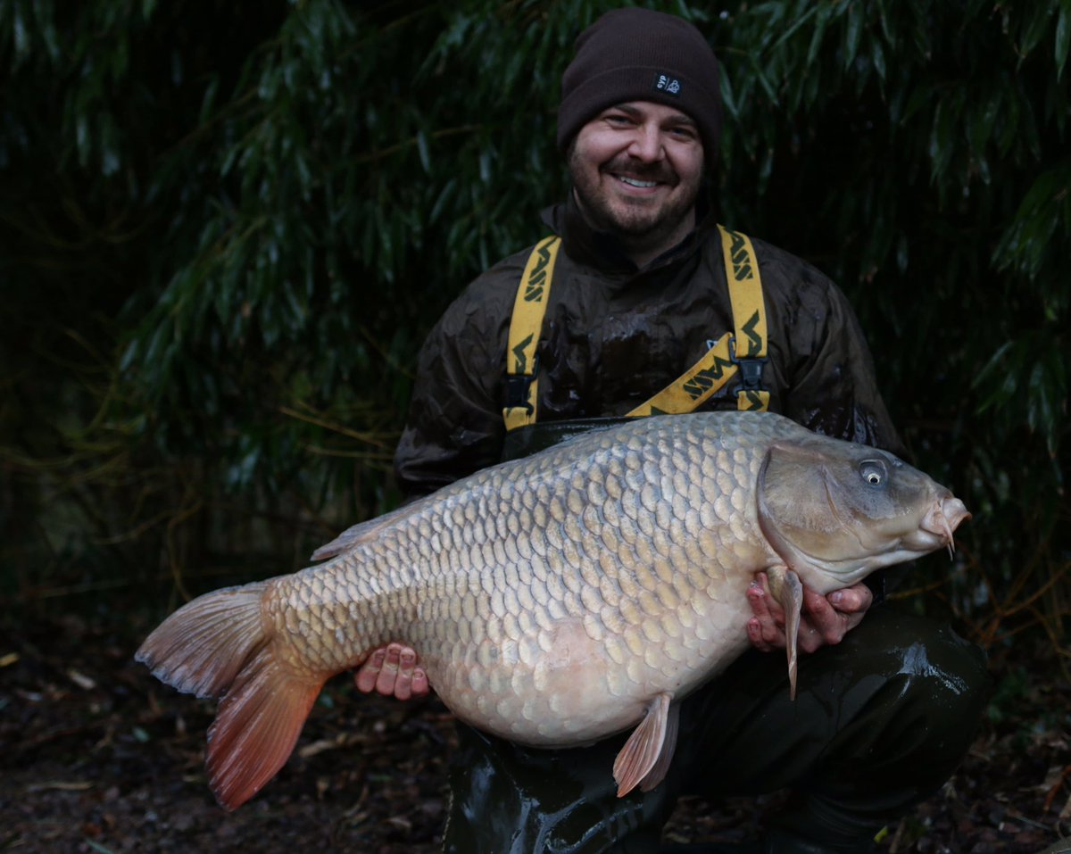 Aaron had the big <b>Ghost</b>ie earlier from Carpdell Fushery in watford it went 48.03lb! #carpfish