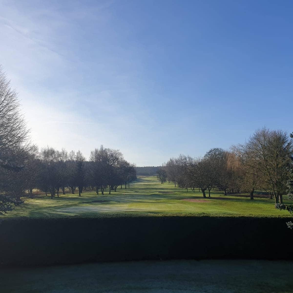 test Twitter Media - #BlueMonday = Blue Skys 😍⛳❄️☀️  Stunning winter morning 🙌 #LetsPlayGolf #MondayBlues #MondayMotivation #MondayVibes #golflife @MidlandsGolfer @TheClub @theclubtalks @IPGCourseupdate @IanDaviesEEEgol https://t.co/R110e2bz7r