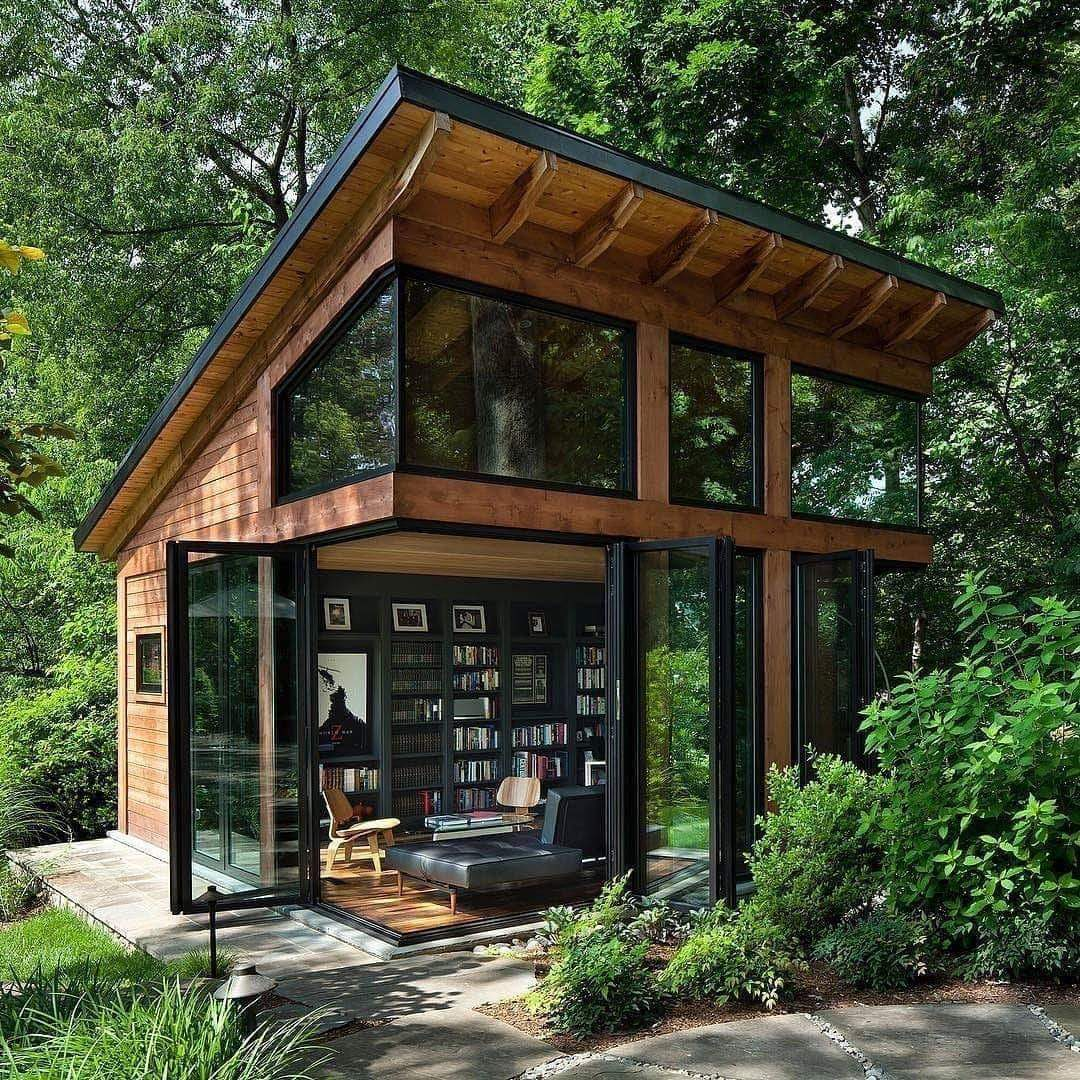 Anyone for an outside library?!! #Books #bookshelves #libraries. https://t.co/0O9aAstJRM