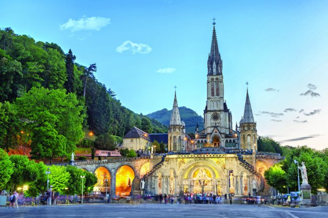 test Twitter Media - An invitation .. to join me on our diocesan pilgrimage to Lourdes this summer from 15th - 19th July. It's a direct flight from Bournemouth. Check out all the details here: https://t.co/cFMCTAvWZj https://t.co/XbztYwhRqB