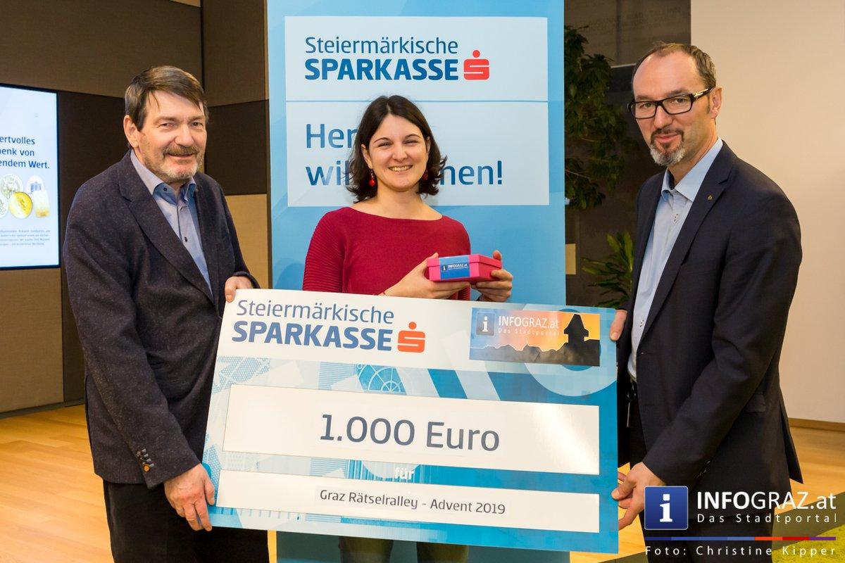 Die glücklichen Gewinner bzw. Gewinnerinnen standen ja bereits zu Weihnachten fest, nun endlich konnte der Hauptpreis in Graz in den Räumlichkeiten der Steiermärkischen Bank und Sparkasse übergeben werden.   https://t.co/6ElvwcelL2 https://t.co/hyVgJxRcIy