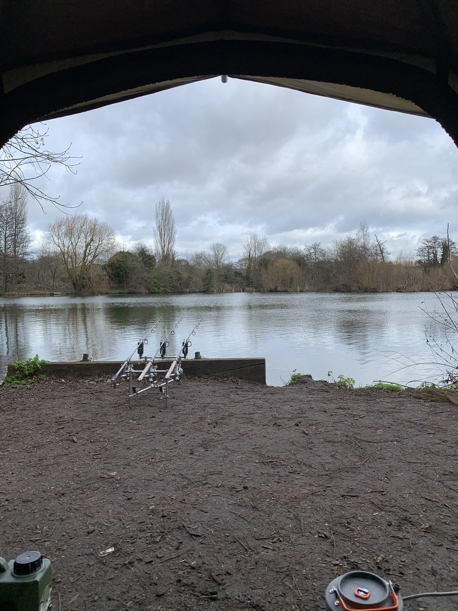 Rods out fingers crossed! #carpfishing #wintercarping https://t.co/oPbS93pZ2F