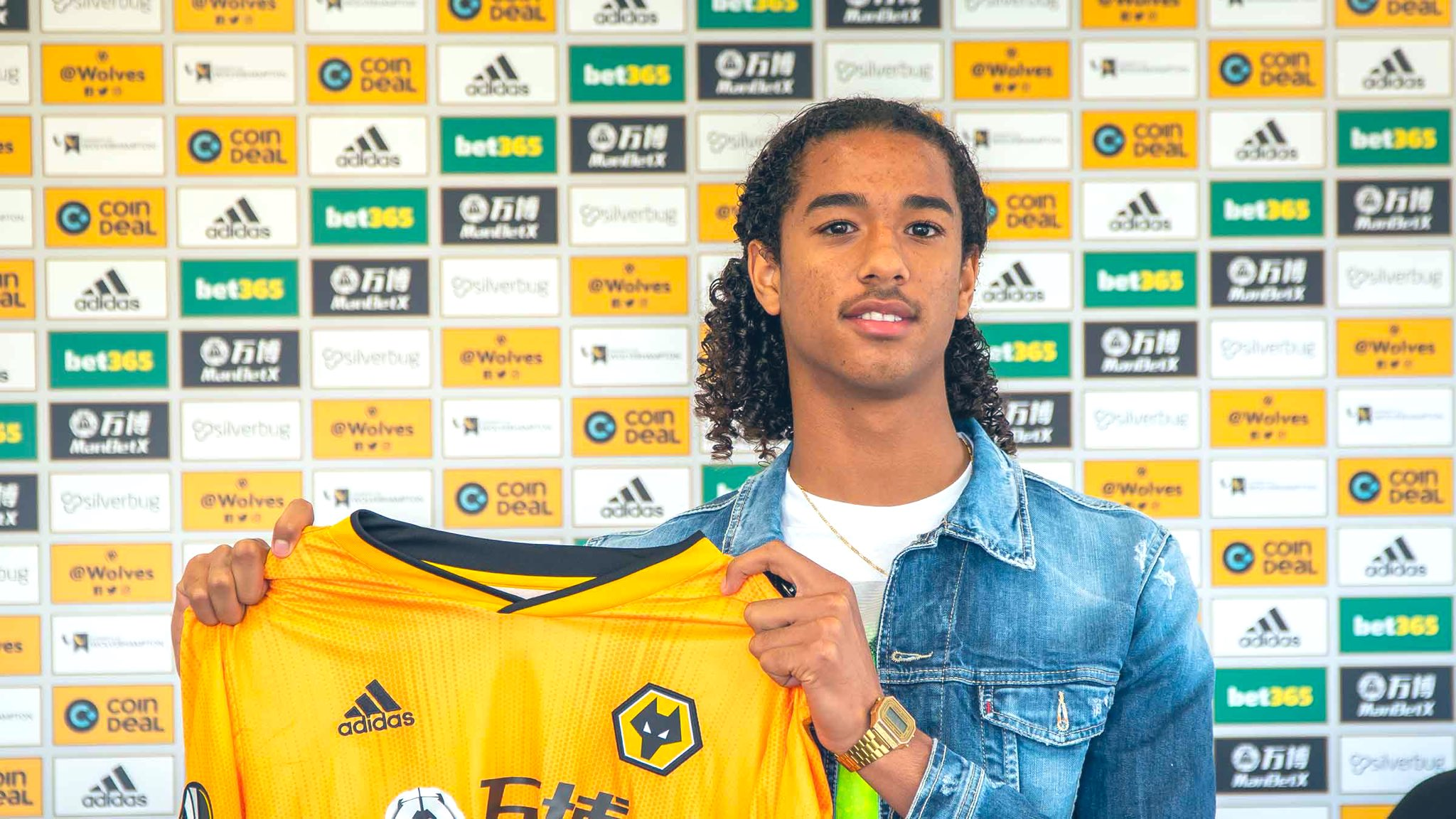 Wolves have now confirmed the signing of exciting Dutch prospect Nigel Lonwijk from PSV Eindhoven.  #WWFC #TalkingWolves https://t.co/rufN0rEzLL