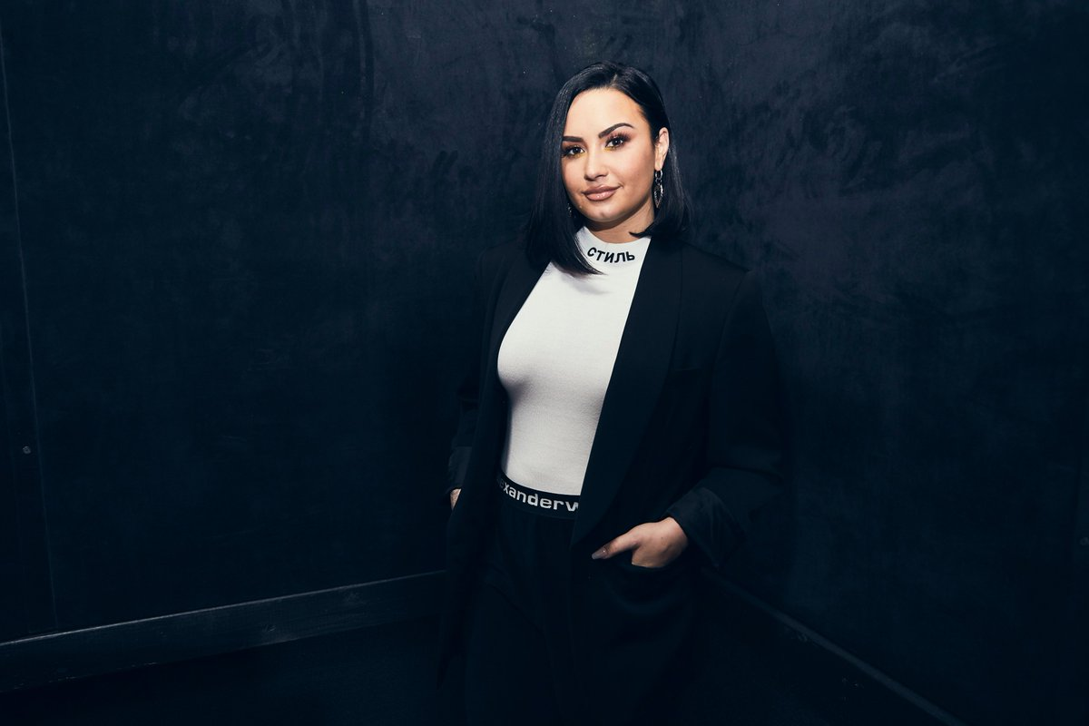 Demi spoke with @zanelowe about what's to come. Listen tomorrow at 9am PT on @applemusic @beats1! #NewMusicDaily