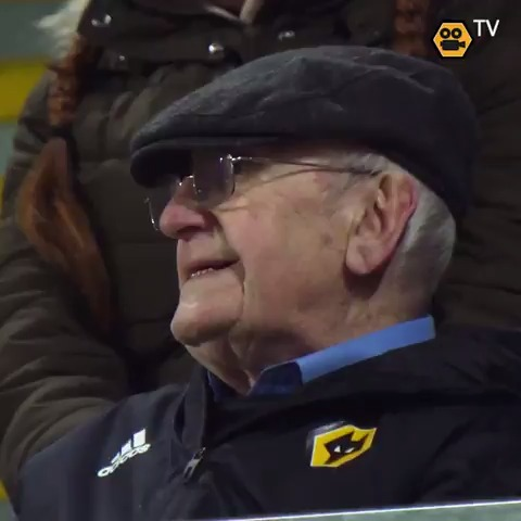 You've got to watch this! 💛  Club legend Graham Hughes taking in last night's game in the stand that bears his name.  🐺🙏 https://t.co/p8joxN9bHJ