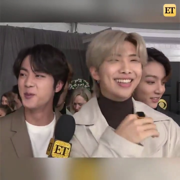 🚨 BTS with a V important update on what the #ARMY can expect from their performance at the 2020 #GRAMMYs!!! 🚨 https://t.co/zTPrxzDvSZ